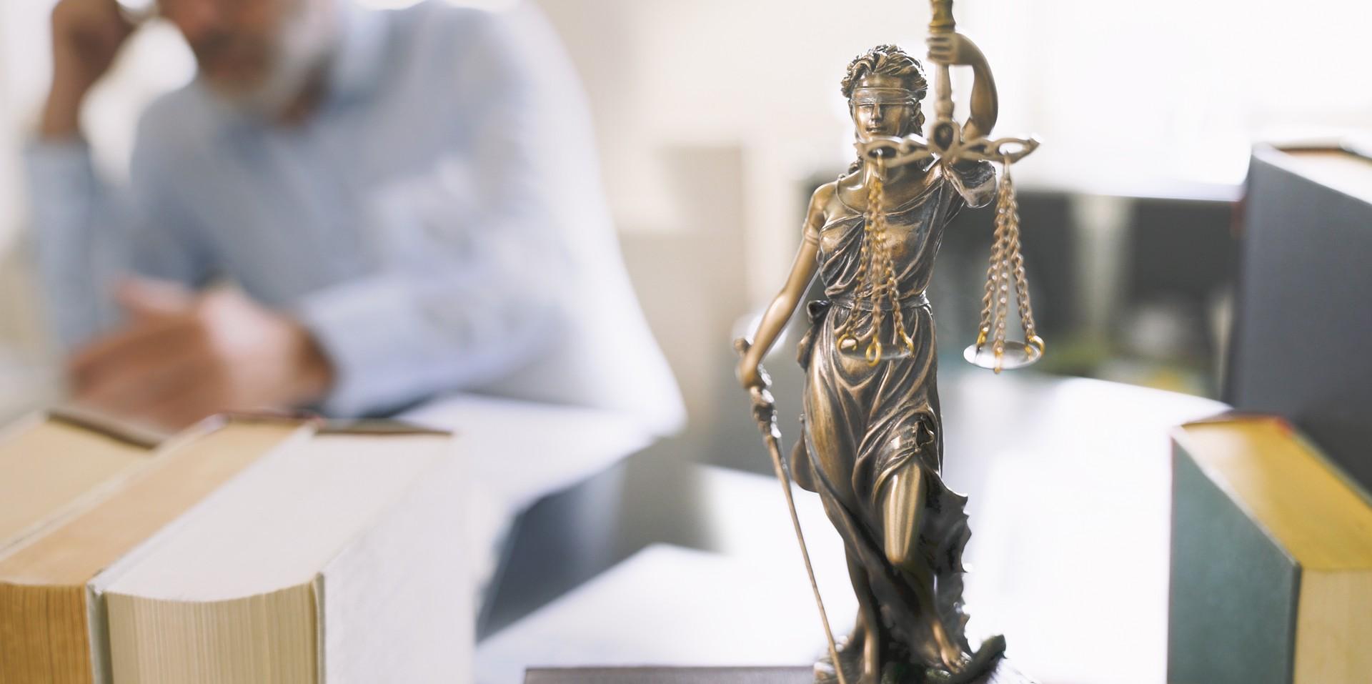 lawyer-img-07